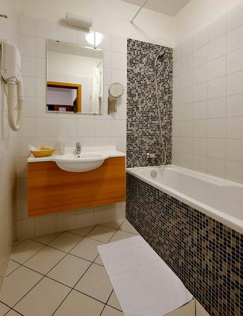 Hotel Premium kupelna Hotel s rodinnou atmosférou  –  Hotel Premium****